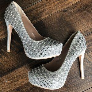 Shoes - Rhinestone platform heels 💎
